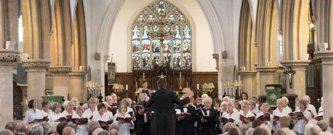 Tyndale Choral Society singing in Wotton, Summer 2017